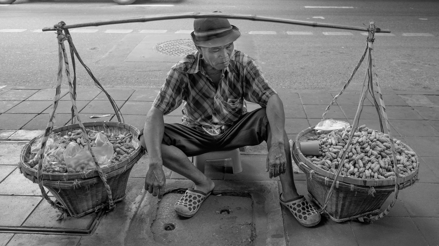 Peanut Salesman in Bangkok  | ©  Courtesy of Tord Remme