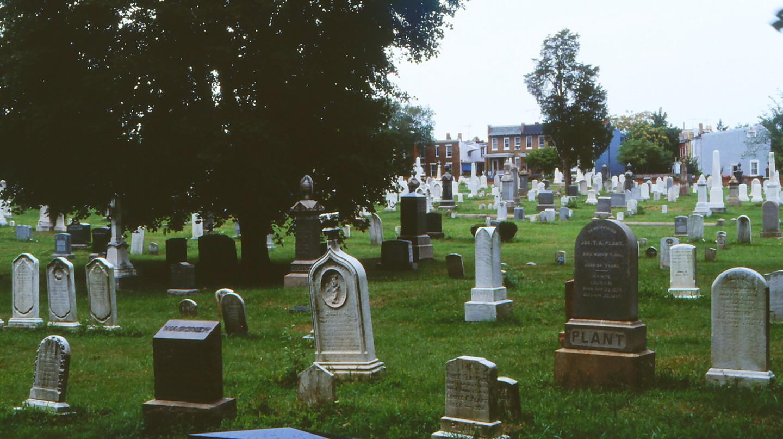 Congressional Cemetery | © rjones0856/Flickr