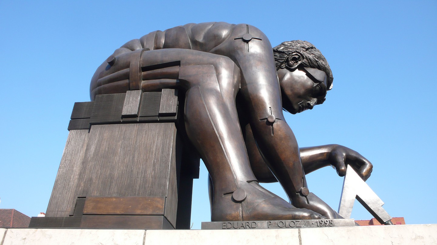 The Eduardo Paolozzi sculpture of Newton at the British Library|©Tim Regan/Flickr