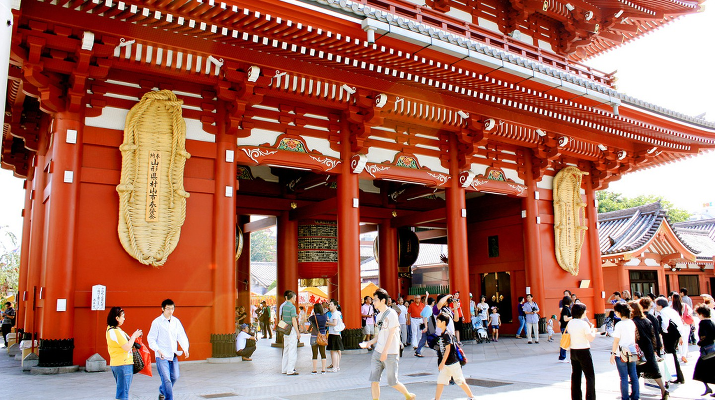 Hozomon at Senso-ji Temple in Asakusa | © Andrea Schaffer/Flickr
