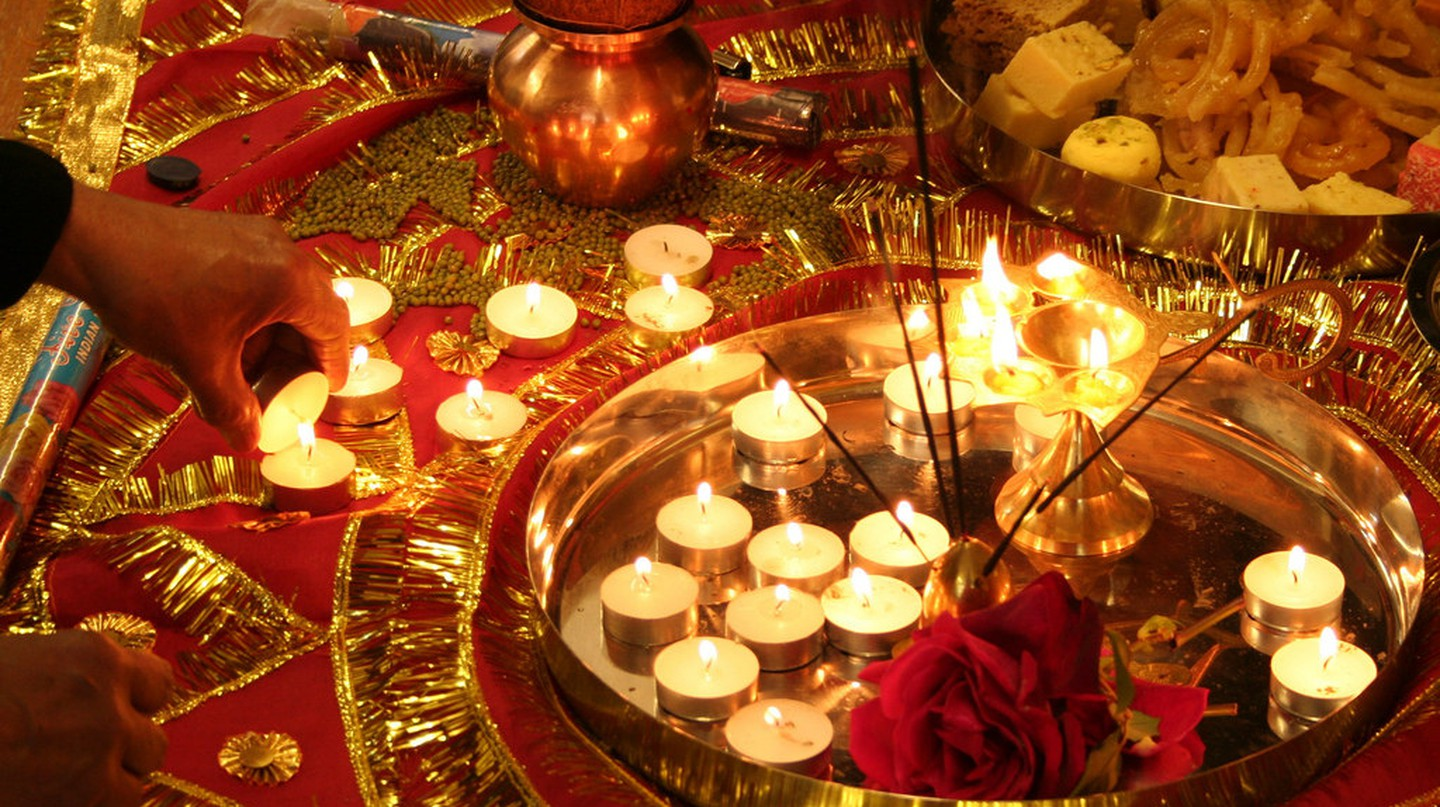 Diwali decorations| © San Sharma/Flickr