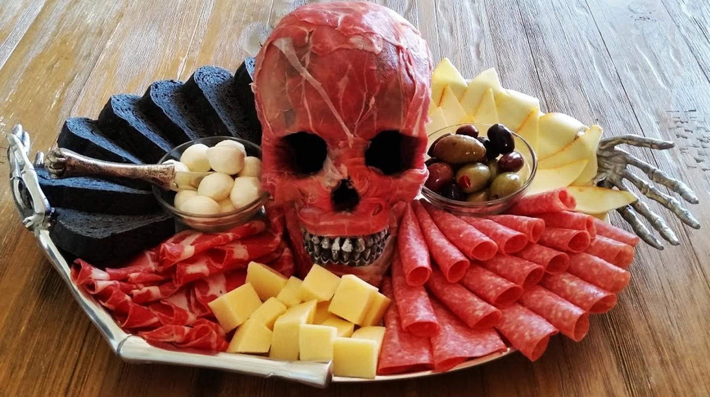 Fright Night Feast: The Spookiest Halloween Party Food