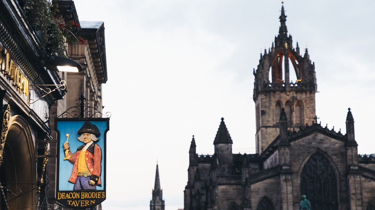 The Best Bars & Pubs Around The Royal Mile, Edinburgh