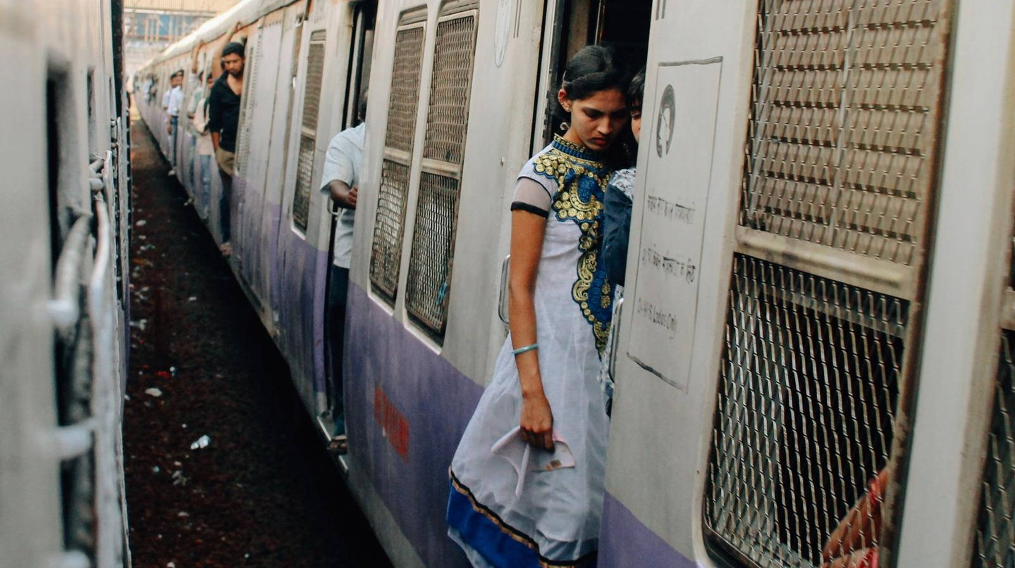 Mumbai Local Train|Nestor Lacle/Flickr