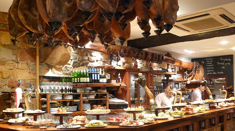 Pintxos bar, San Sebastian | ©sanfamedia.com