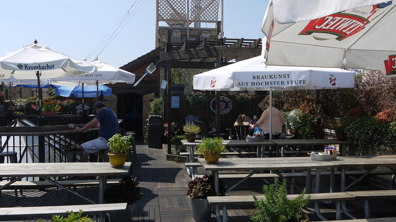 Gene's rooftop bar, courtesy of Flickr: