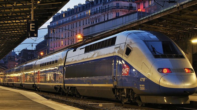 Train at Paris Gare de l'Est │© Nelso Silva/Flickr