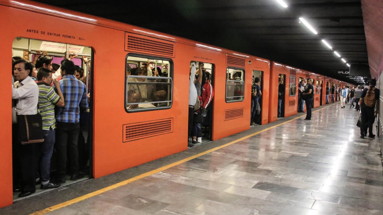 Packed metro | © Paul Sableman/Flickr