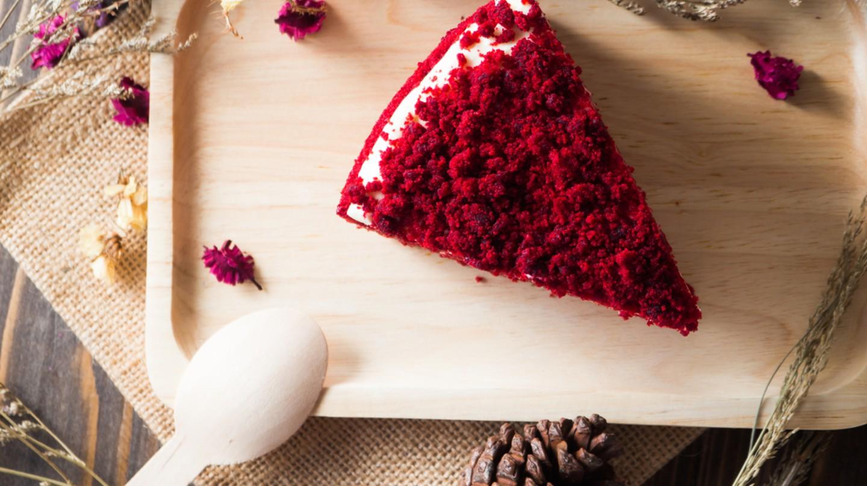 Red velvet cake © pickingpok/Shutterstock