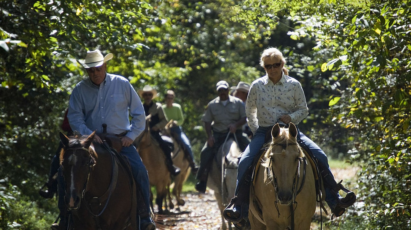 Horseback trail riding | © Virginia State Parks staff/WikiCommons