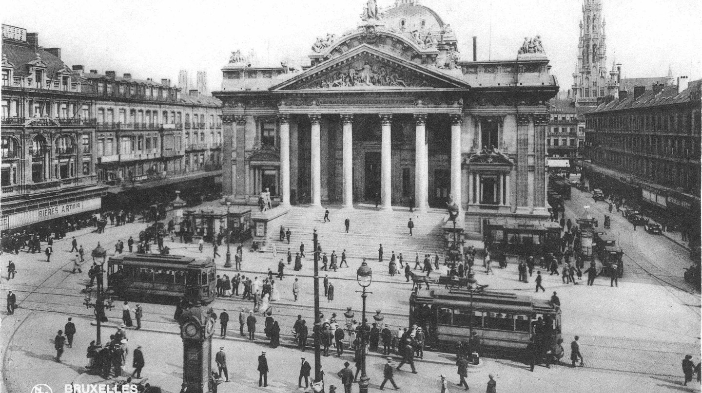 1920s: the Brussels stock exchange, also the center of  the city's blooming tram network | Public Domain/WikiCommons