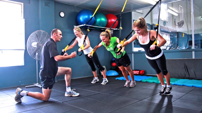 Gym exercises |© www.localfitness.com.au/WikiCommons