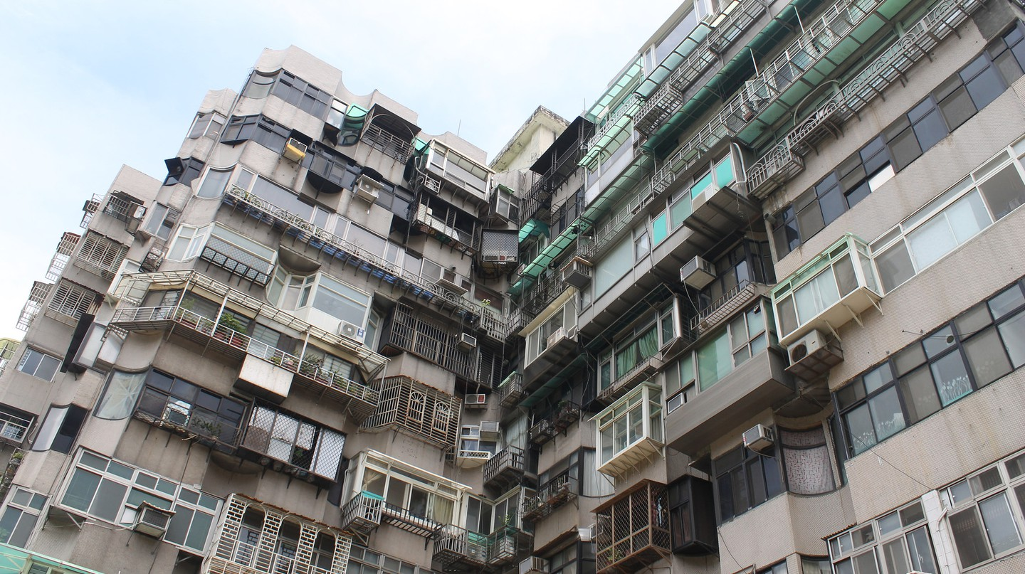 Taipei apartment building | ©  Connie Ma / Flickr