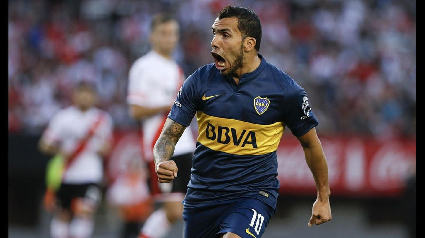 Carlos Tevez playing for Boca Juniors © Ronny Anderson Isla Isuiza / flicr.com