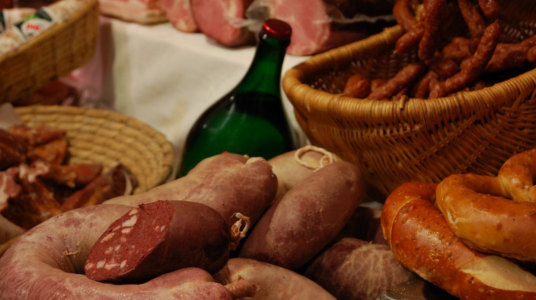 Wiener-wurst (Vienna sausage) is one of Austria's favourite traditional dishes    © Cha già José / Flickr
