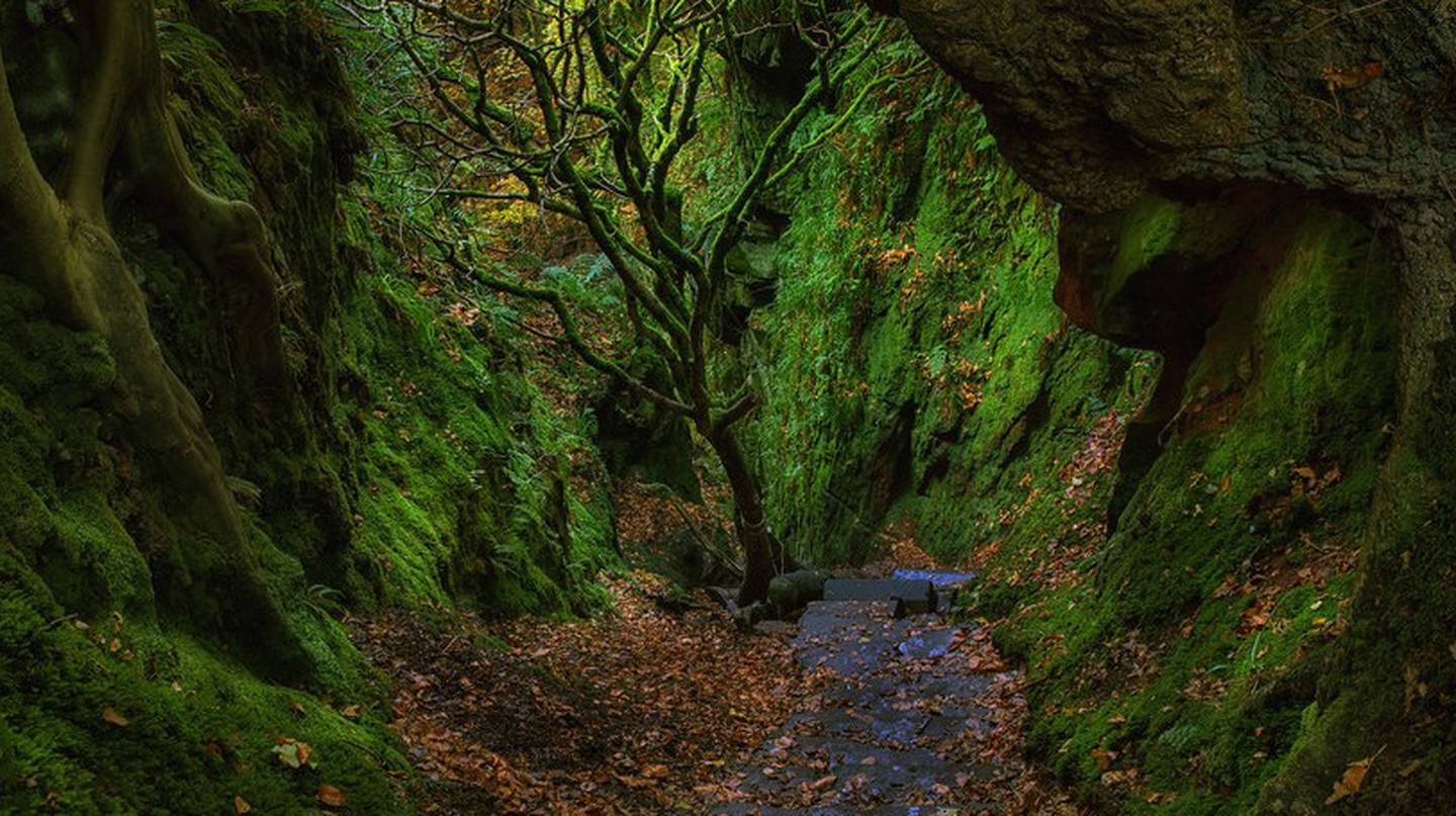 'The Devil's Staircase' Just Outside Glasgow | © john mcsporran/Flickr