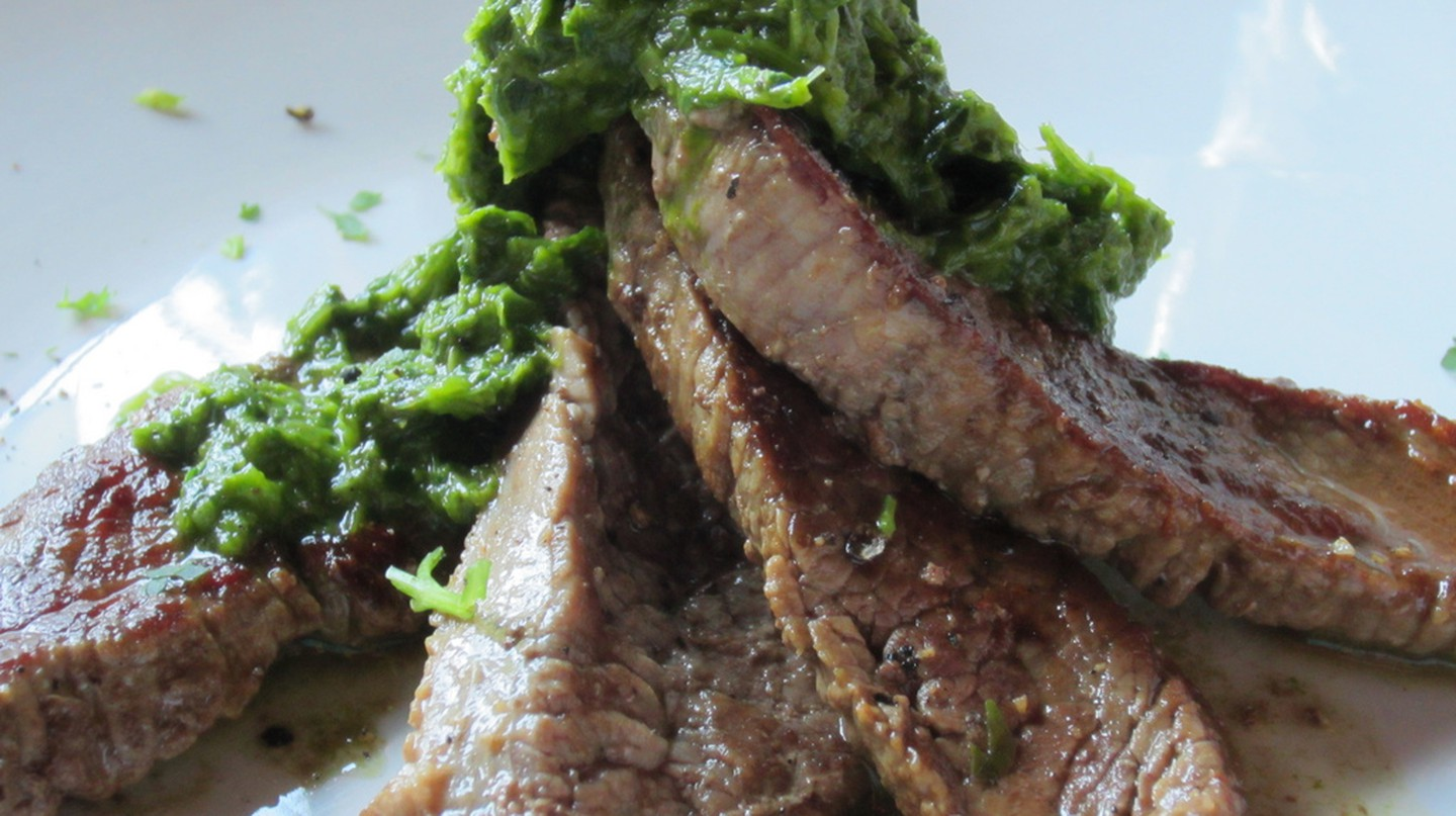 Steak Chimichurri | © yosoynuts/Flickr