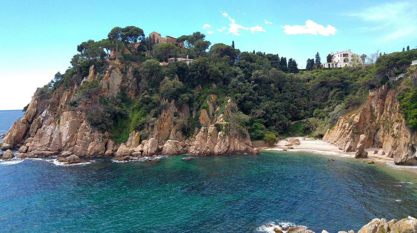 Beach on the Costa Brava | ©txuscruz0 / Pixabay