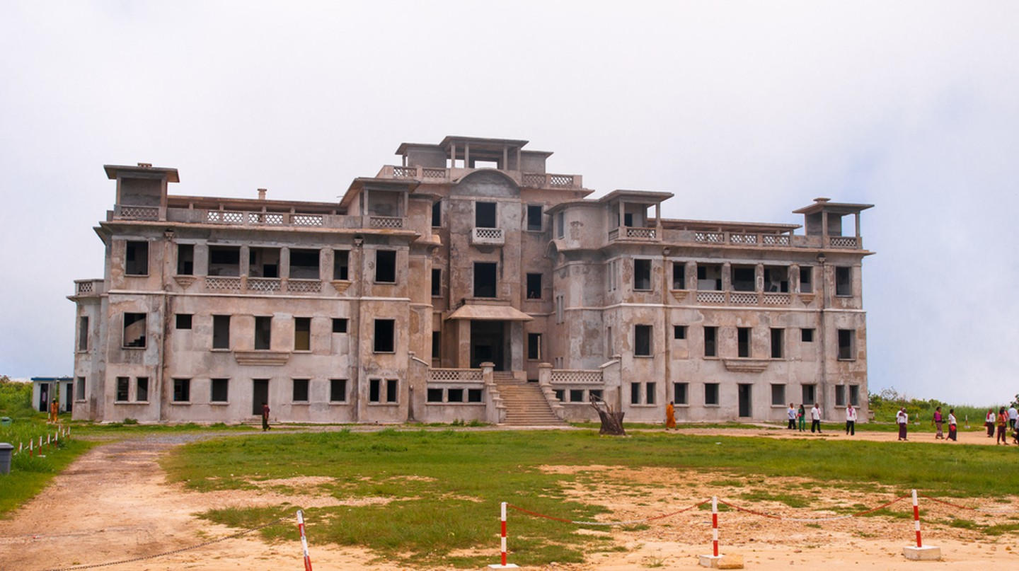 The ruins of the Palace Hotel and Casino at Bokor Hill Station. Copyright: svetlana eremina/ shutterstock-com
