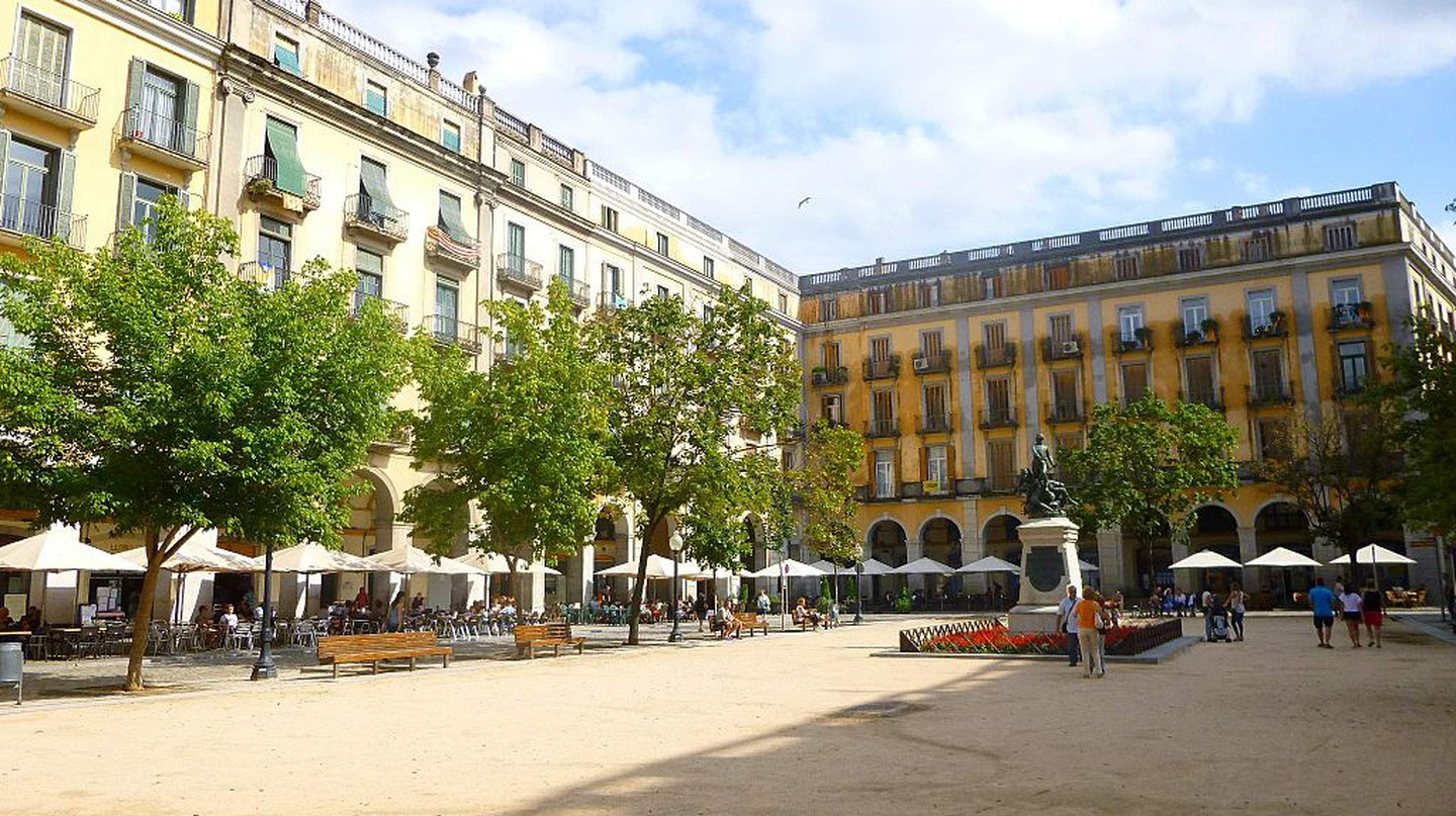 Girona, Plaza de la Independencia | ©Zarateman / Wikimedia Commons