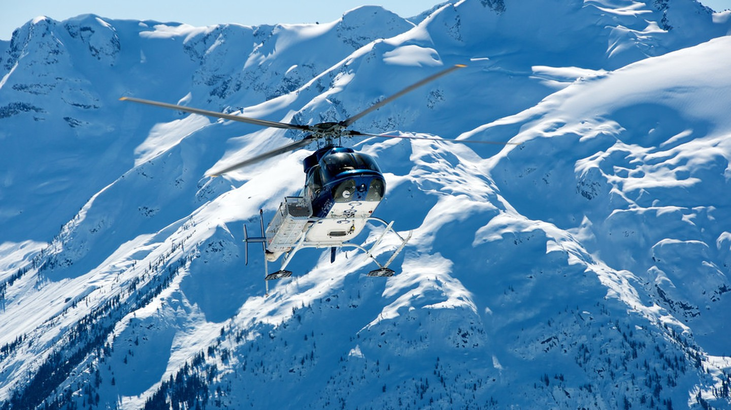 Heli-skiing in Whistler | © Kent Goldman/Flickr