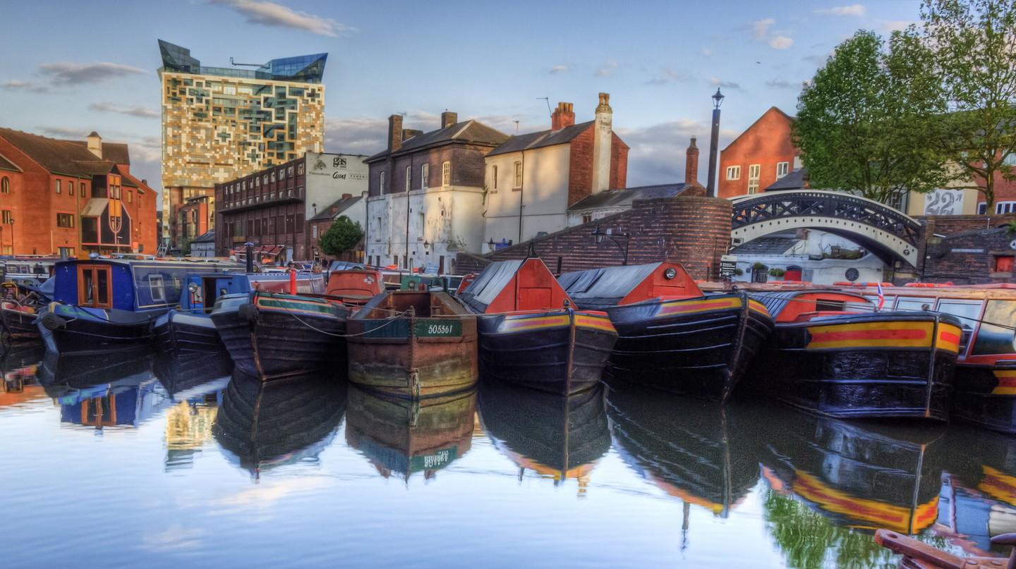 Narrowboats in Birmingham | © Neil Howard/Flickr