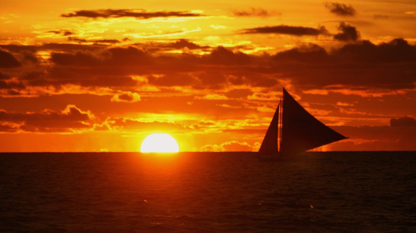 Philippine Sunset | © The Wandering Angel / Flickr