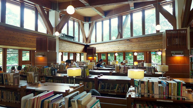 Taipei Public Library Beitou Branch Interior | © Wpcpey