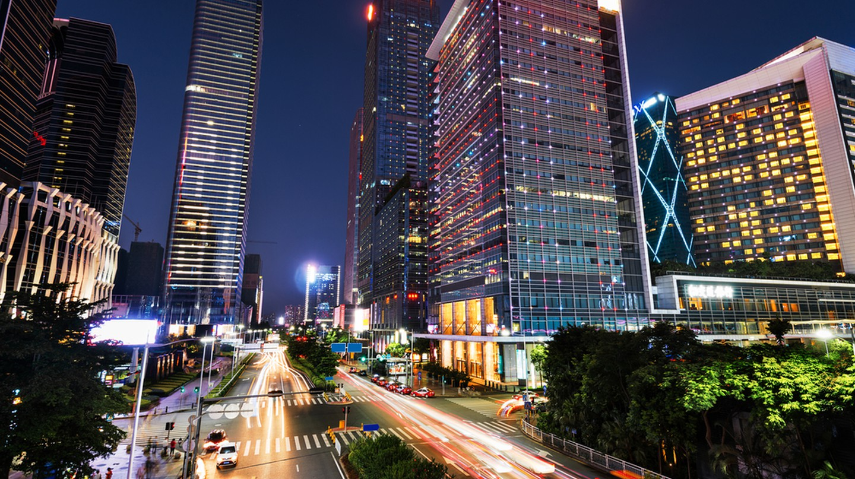 Shenzhen at night | © fuyu liu/Shutterstock