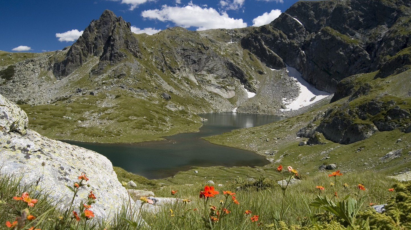 The Twin Lake, one of the Seven Rila Lakes I © Krasimira Decheva / WikiCommons