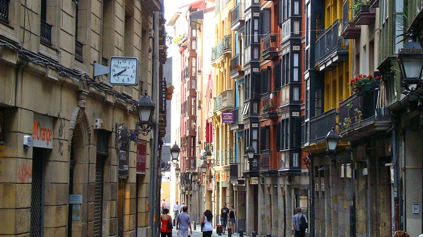 Casco Viejo Bilbao, Spain | © Mikemod / Wikimedia Commons