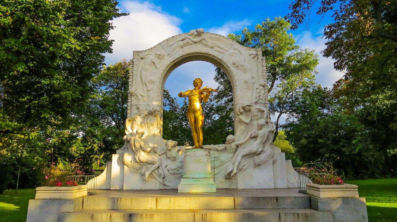 Statue of Strauss in Stadtpark |  © Kiefer / Flickr