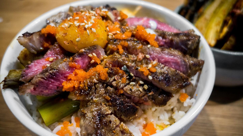 Steak Donburi | © Jonathan Lin / Flickr