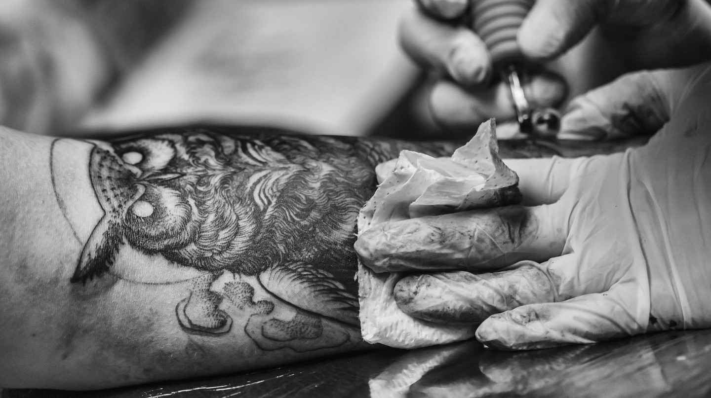 Own Tattoo in progress  | ©  Benjamin Balázs / Flickr