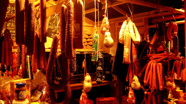 Hanging sausages | © FearfulStills / Flickr