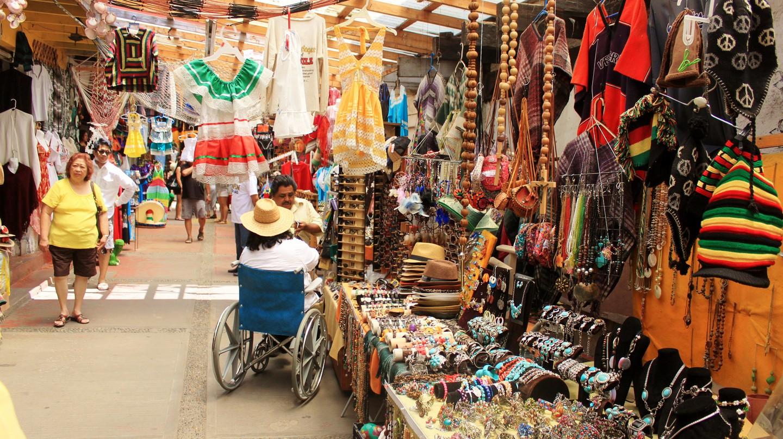 A vibrant Mexican market | © Emily Burnett/Flickr