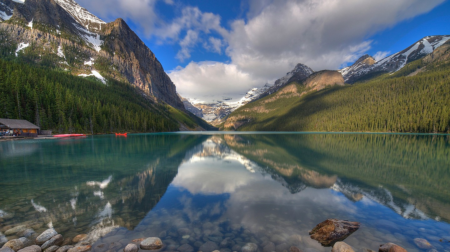 Lake Louise in Banff National Park | © Juan Alberto Garcia Rivera / Flickr