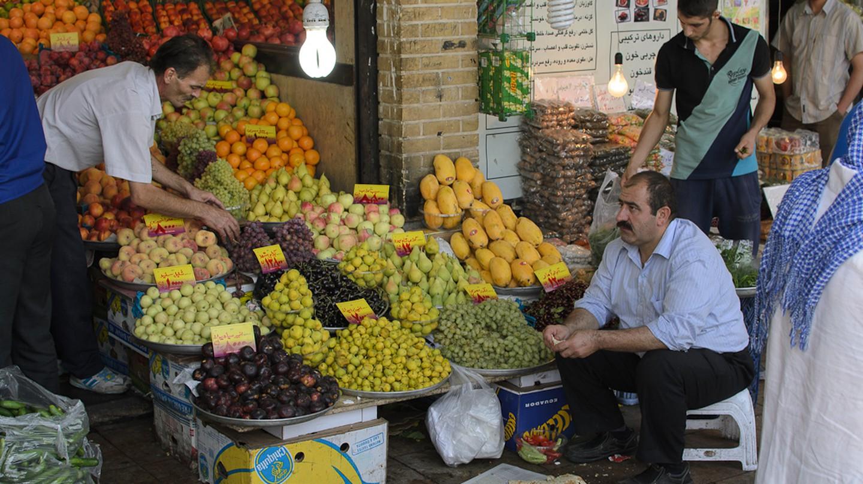 Fresh produce at Tajrish Bazaar | © Kamyar Adl / Flickr