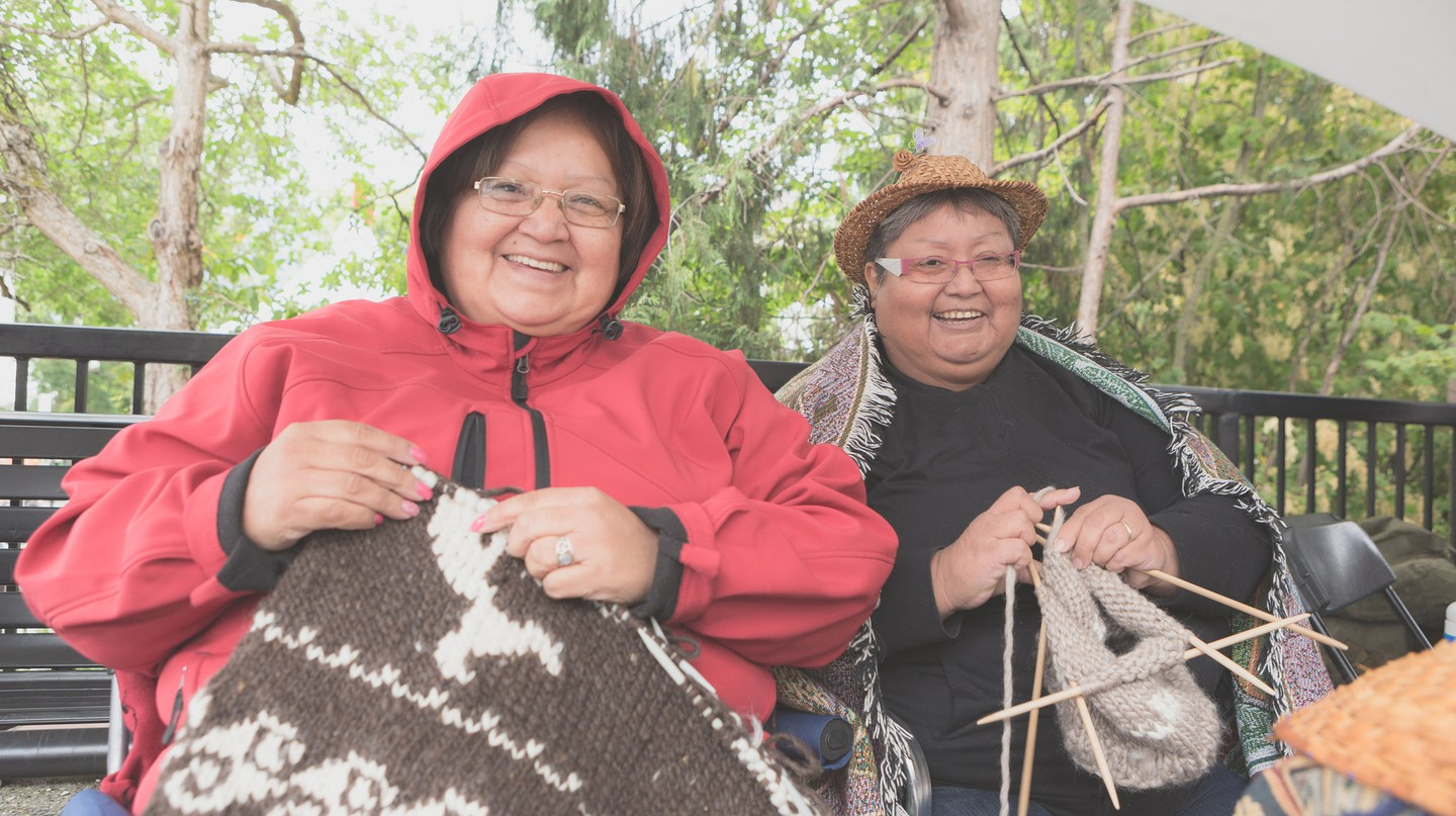 Cowichan Knitters at the 2016 Victoria Aboriginal Cultural Festival | © Melody Charlie at melodycharlie.com / Courtesy of ATBC Media