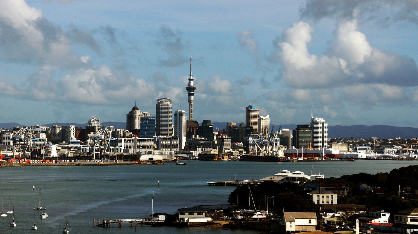 Devonport view of Auckland City  │© Bernard Spragg. NZ/Flickr