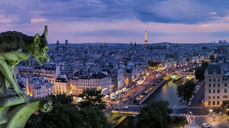Gargoyle above Paris │© Pexels / Pixabay