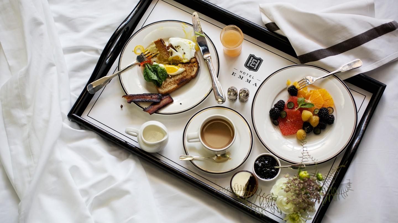 Hotel Emma Breakfast | © Jody Horton