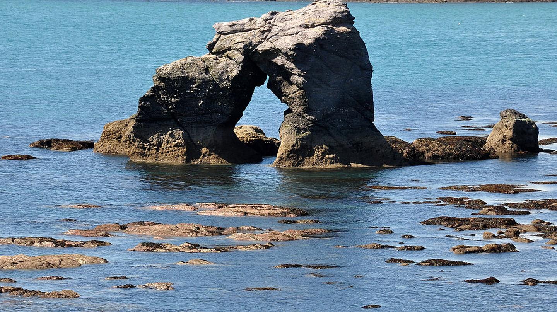 Thurlestone Rock | © Nilfanion / Wikimedia UK