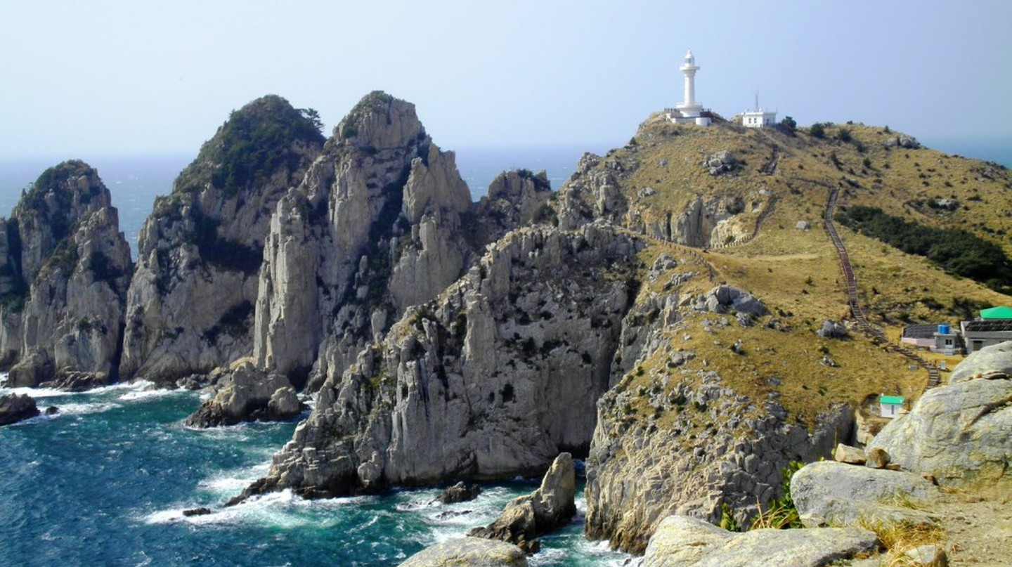 Island hopping in Tongyeong | © Mimsie Ladner