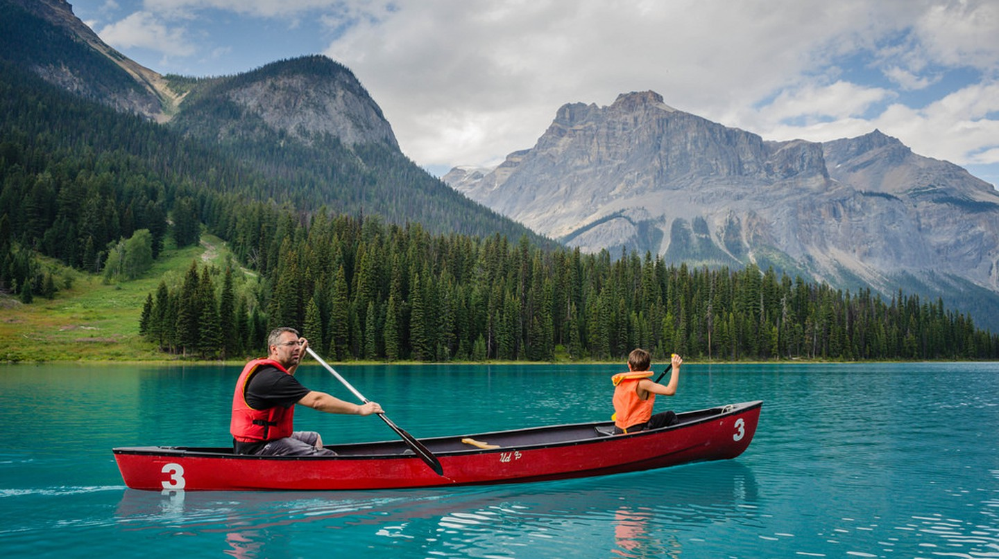 Emerald Lake in the Canadian Rockies | © Deb MacFadden / Flickr