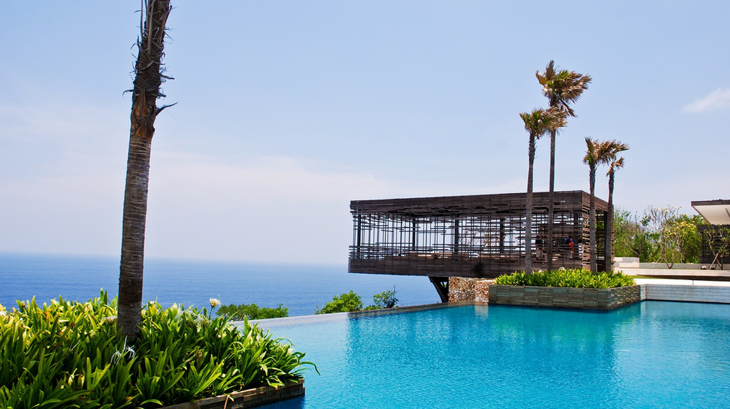 Alila Villas Uluwatu Swimming Pool| © B Clarke/ Flickr