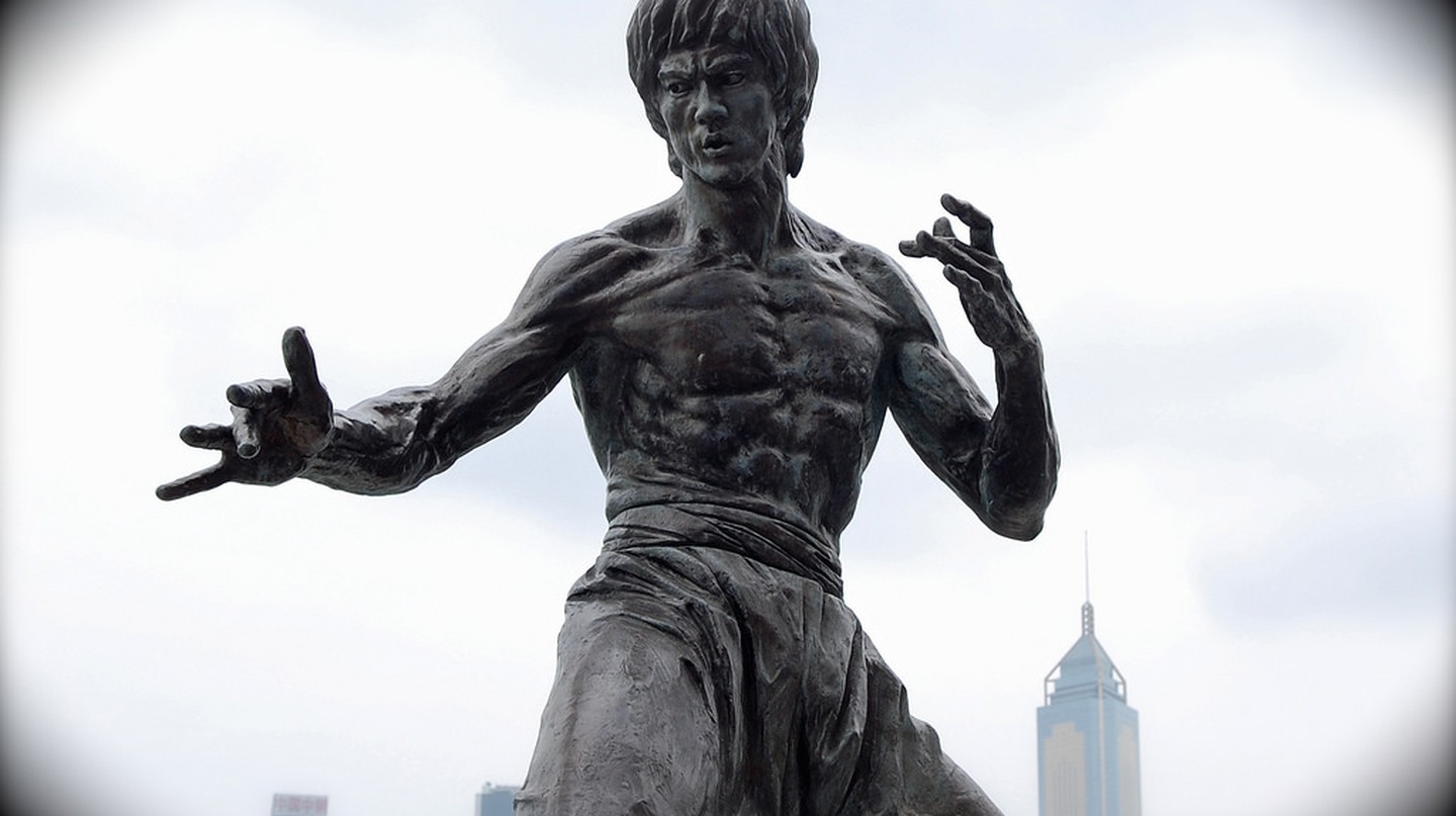 A Bruce Lee statue in Hong Kong | Sherpas 428/Flickr