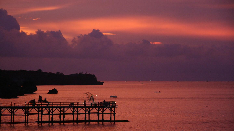 Romatic Sunset in Bali   © ValerioVeo / Flickr