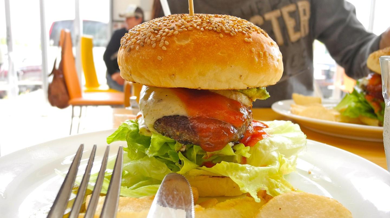 Ashiya Burger | © reneko/Flickr