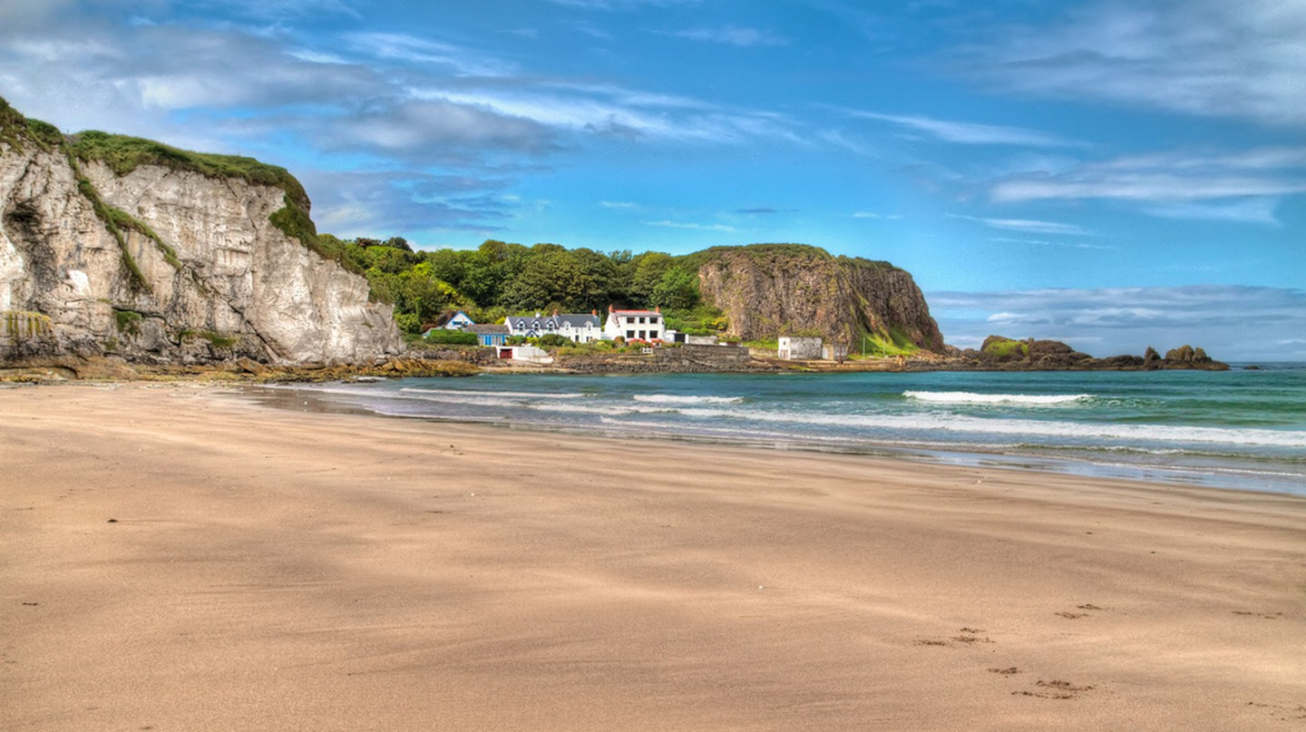 Whitepark Bay makes a pretty beach stop for a picnic lunch on your road trip |  © Umberto Nicoletti/ Flickr
